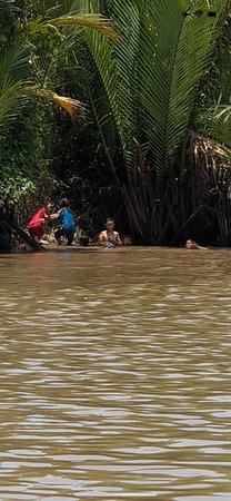 Asiatica Travel: Delta del Mekong, passeggiata in gondola in mezzo alla giungla