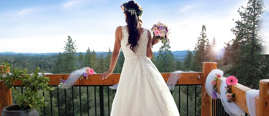 Murphys, CA: Elopement and Intimate Wedding Packages available