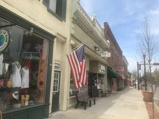 Hudson, OH: Historic Village Town Shops on Main St.