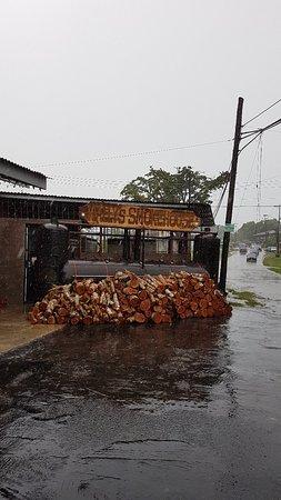 Point Fortin, Trinidad: Wally's Smokehouse