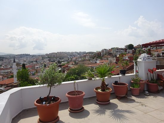 Anzac Golden Bed Pension: Breakfast view back over Kusadasi