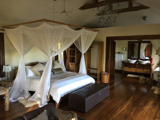 Escarpment Luxury Lodge: Room #1 entrance