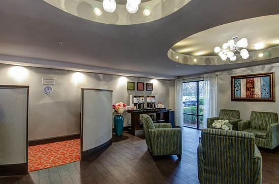 Hampton Inn Bowie: Lobby Area
