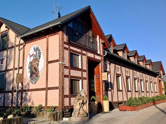 Kuraszkow, Polen: Hotel od strony ulicy
