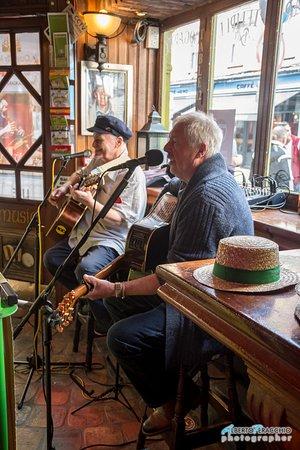 Oliver St. John Gogarty's Pub: I musicisti