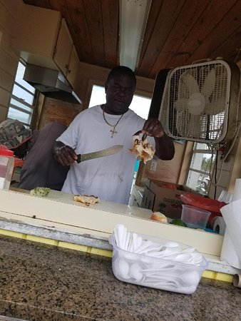 Daddy Brown's Conch Stand Aufnahme