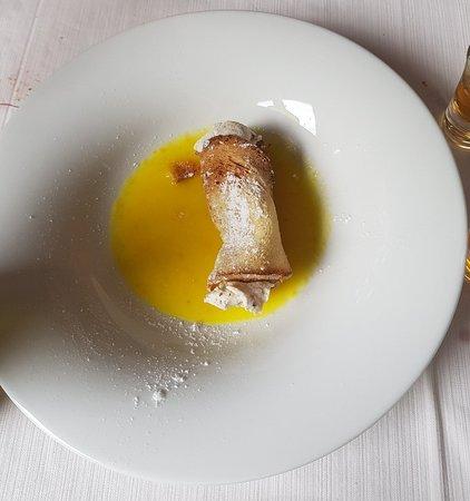 Castel del Monte, Itália: Cannolo al mandarino