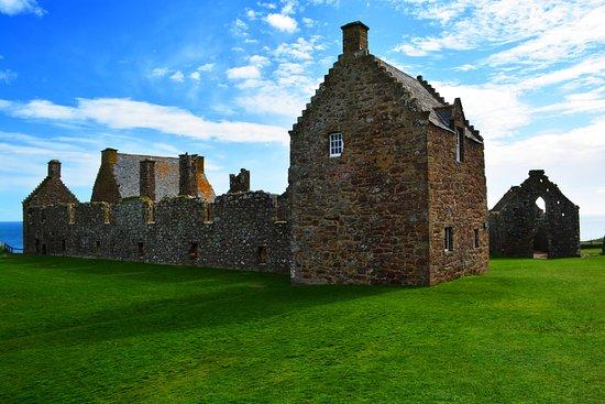 Stonehaven, UK: Wohnkasernen und Burgkapelle