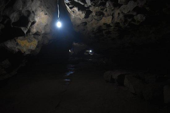Mawjymbuin Cave: half way thru
