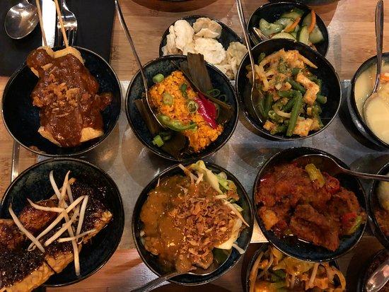 Sampurna: RIJSTTAFEL - Vegetarian -het is heerlijk!