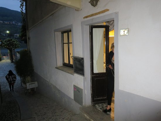 Ristorante Unione : side entrance to upper dining room