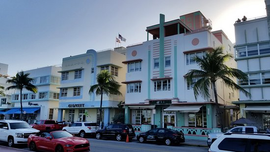 Crescent Resort On South Beach: The Crescent on Ocean Blvd - 100 yards from the beach