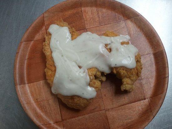 Mauldin, SC: Chicken Fried Chicken with White Pepper Gravy
