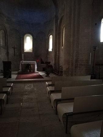 Saint-Martin-de-Londres, Francja: il semplicissimo interno