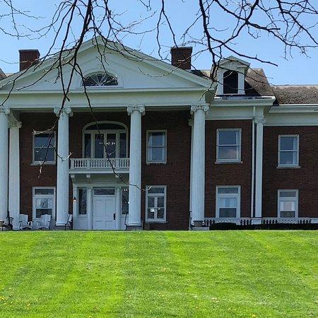 White Springs Manor: photo0.jpg