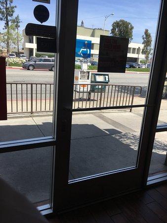 Bellflower, Kalifornien: View on leaving.