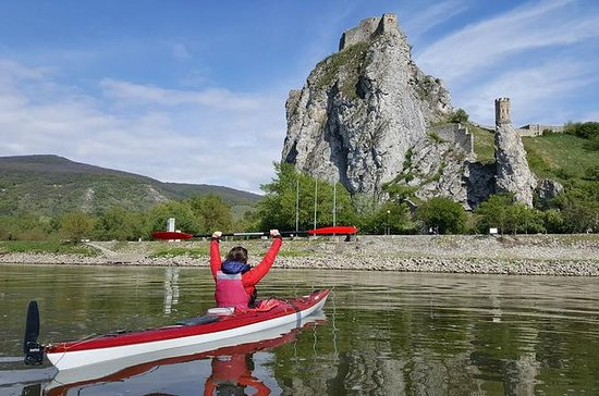 Private Danube canoe descent from Vienna and discovery of Bratislava