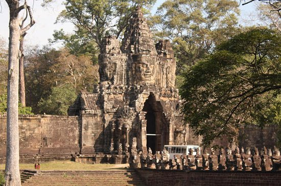 The Best of Angkor Thom Complex and...