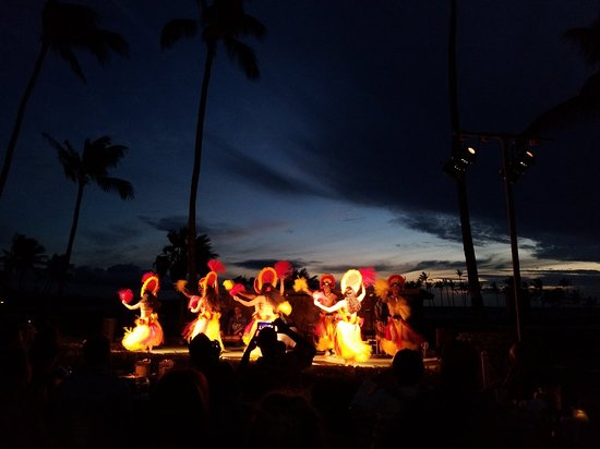 Sunset Luau At The Waikoloa Beach Marriott