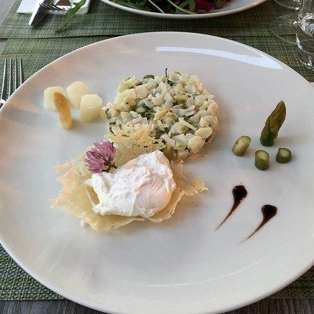Restaurant Lamm : Spargel Tatar und Ziegenkäsesalat