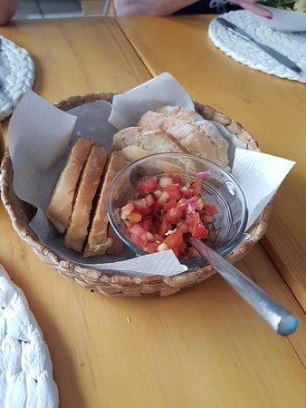Ajijic, México: plain bread and salsa