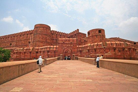 Universal Taj Tours : getlstd_property_photo