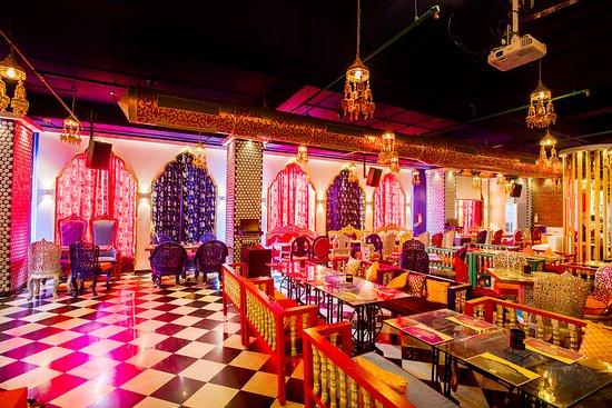 Taste of Punjab: Ambiance