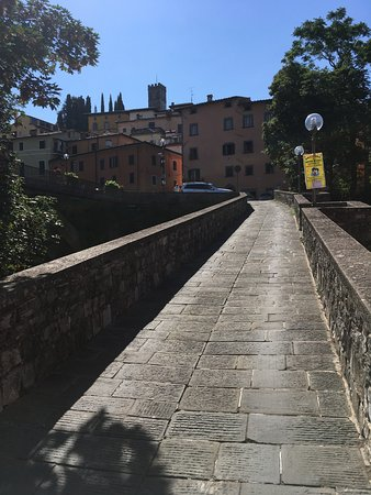 Castelvecchio Pascoli, Italien: A walk to Barga