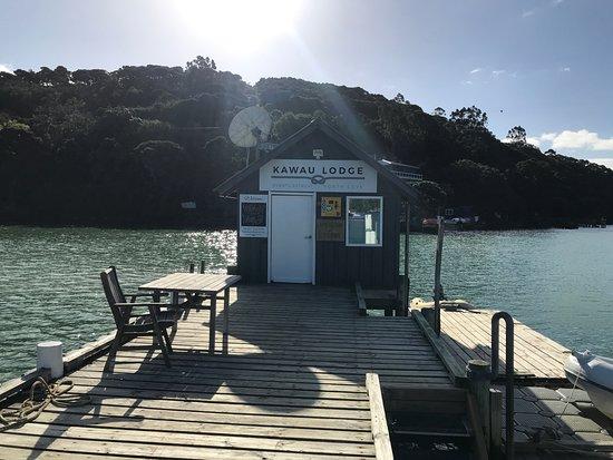 Kawau Island, Nueva Zelanda: Lodge Wharf & Boatshed