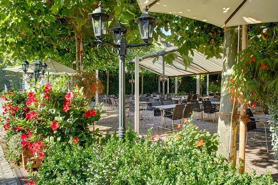 Weesen, سويسرا: Gartenterrasse