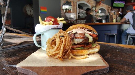 Cafe Manhattan: BBQ beef burger served with garlic aioli, bacon and mozzarella
