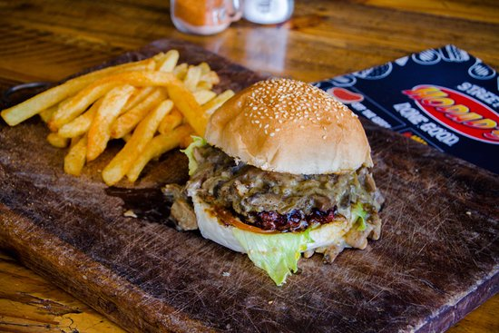 Edenvale, South Africa: This the Mushroom burger with chips, we use mushroom and black pepper sauce. The is home made!