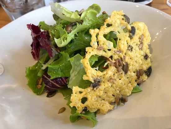 île de païn: Green salad and parmesan