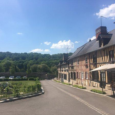 Le Bec-Hellouin, France: photo2.jpg