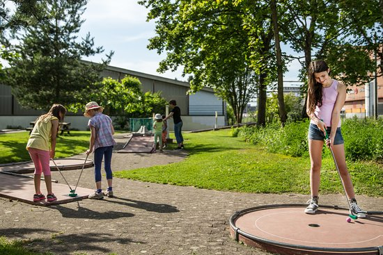 Greifensee, Sveits: Minigolfanlage mit 18 Bahnen