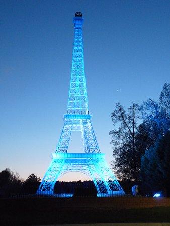 Paris TN Eiffel Tower
