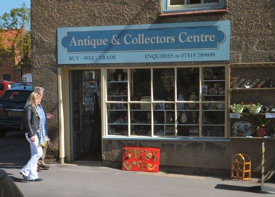 Burgh le Marsh, UK: Burgh Centre visit by Antiques Road Trip
