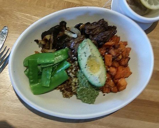 True Food Kitchen: Teriyaki Quinoa with grass-feed steak