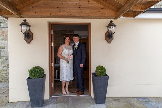 The Waun Wyllt Inn: mother and son