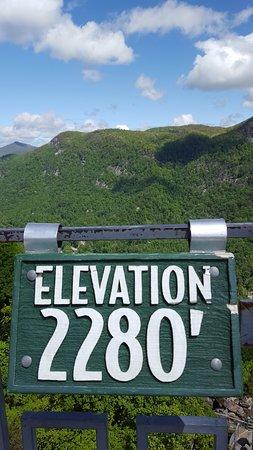 Chimney Rock, North Carolina: Elevation sigh at the top