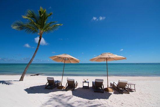 Tortuga Bay Hotel Puntacana Resort & Club: Beach Area, Tortuga Bay Puntacana Resort & Club.