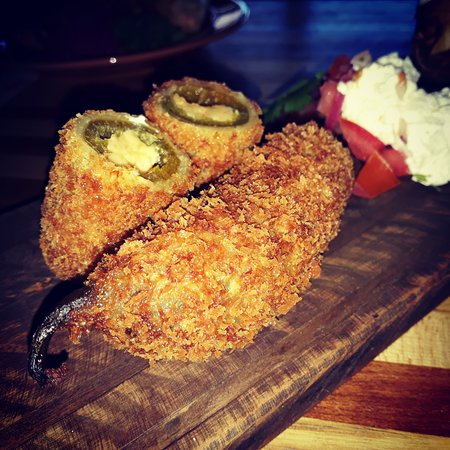 Claremont, Sydafrika: Home made stuffed Chilli Poppers