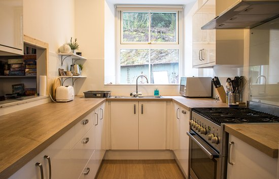 Stromeferry, UK: kitchen can cook for 18