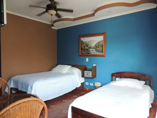 San Lorenzo de Flores, Costa Rica: Apartment second floor