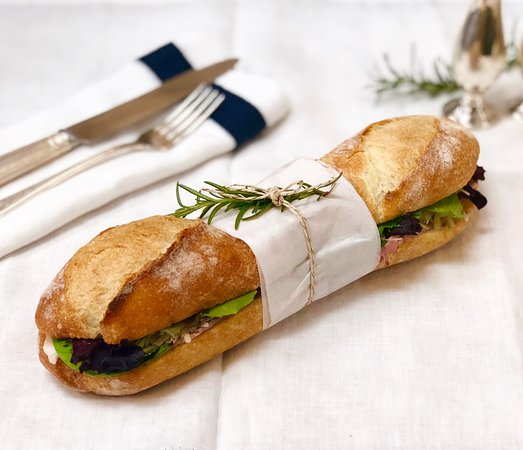 Menlo Park, CA: Baguette sandwiche