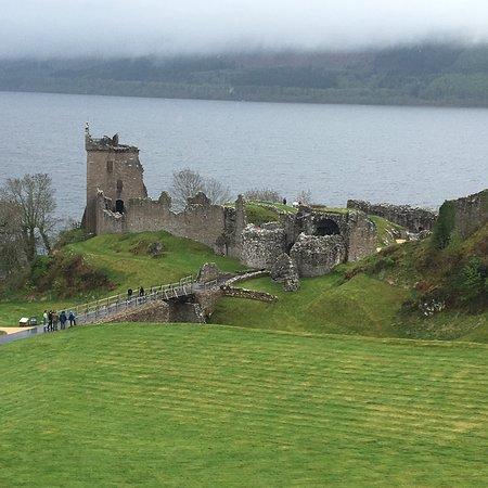 Inverness Castle: Castelo de Urquhart na beira do Lago Ness! Maravilhoso!