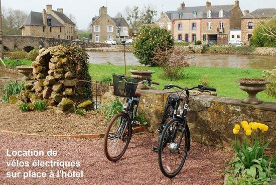 Ducey, Francia: Location de vélos électriques sur place