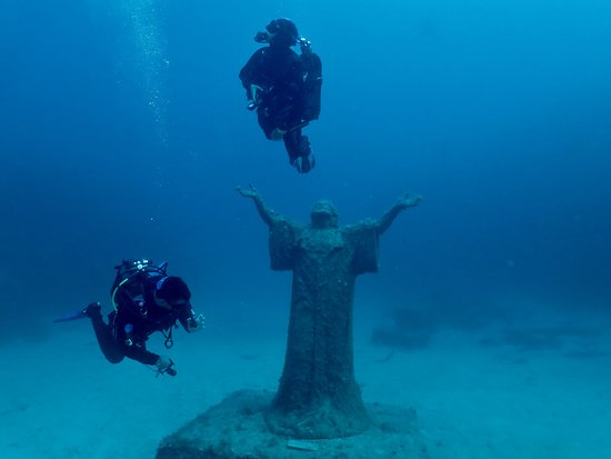 St. Paul's Bay, มอลตา: Imperial Eagle and Underwater Jesus Christ Statue Dive Site