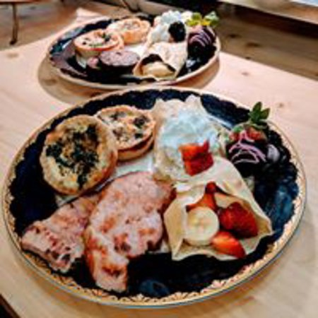 Bell Buckle, TN: We do brunches, groups and special children's teas