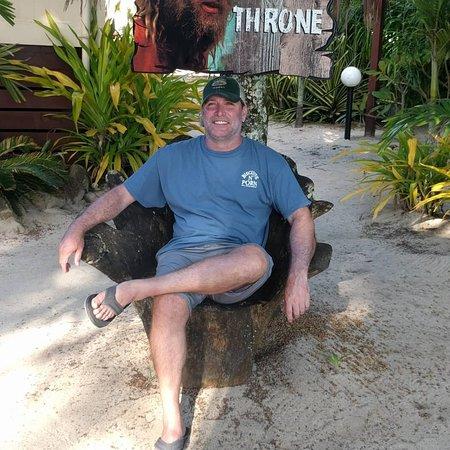 Wilson's Beach Bar - Castaway Resort Rarotonga: Tom's Throne